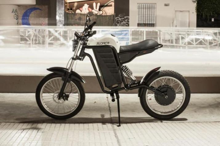 Estudiantes presentaron Sudaca, la primera moto eléctrica argentina