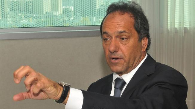 Scioli apuntó contra Massa y Barrionuevo por el paro