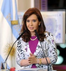 """Cristina apuntó contra American Airlines y la calificó de """"buitres con turbinas"""""""