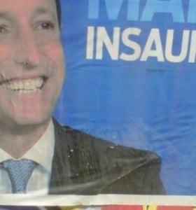 Insaurralde panfletea la Provincia con afiches azules pero sin partido político