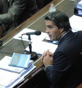 Capitanich denunció ante el Senado un golpe de mercado contra el Gobierno