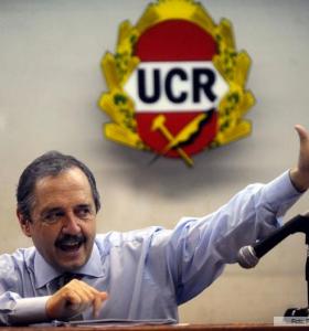 """Para Alfonsín, con la salida de Carrió el FAU """"recuperará"""" nivel de aceptación"""