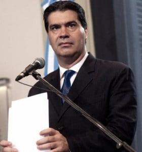 """Capitanich rechazó el pedido de un fondo buitre de """"sentarse a negociar"""""""