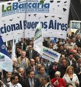 Tras paro bancarios llevaron propuesta paritaria al Gobierno