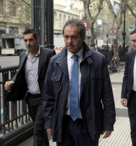 """Scioli mantiene el misterio: la elección de su vice """"será consensuada"""""""
