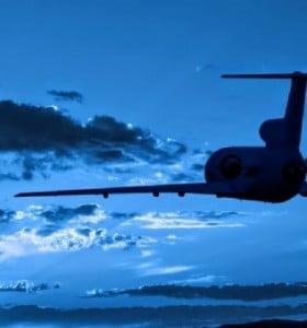 """Declaran la navegación aérea como """"servicio público esencial"""""""