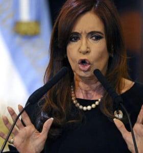 """Cristina irónica: """"Primero hay que oponerse, después mentir y, cerca de las elecciones, cambiar"""""""