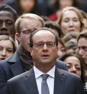 """Hollande: """"Estamos en guerra y debemos destruir a ISIS"""""""