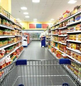 La capacidad de compra de las familias cayó 9,7% en octubre