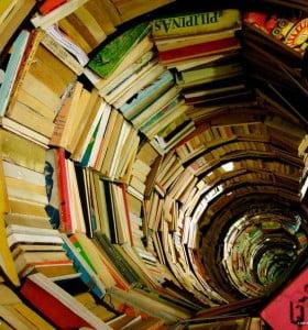 En protesta por la caída de las ventas, regalarán 30 mil libros