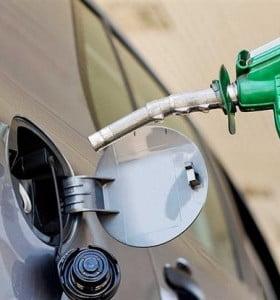 Empresarios presionan a petroleras para cubrir aumentos paritarios