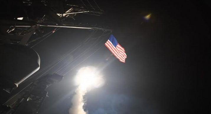 EEUU lanzó 60 misiles sobre la base aérea en Siria y tensa la relación con Rusia