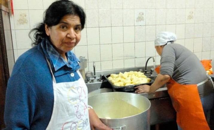 Barrientos alertó que aumentó un 80% la demanda de comida en su comedor