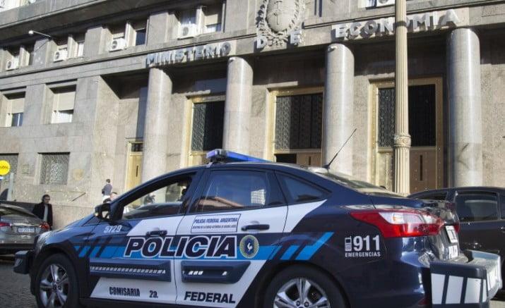 Bonadio allanó el Ministerio de Finanzas por irregularidades del FGS