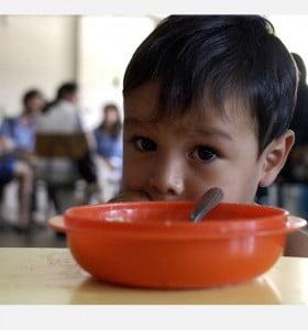 El 43% de los niños y adolescentes del país sufren malnutrición