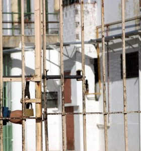 Gobierno analiza reacondicionar cárceles de hombres para recibir a mujeres presas