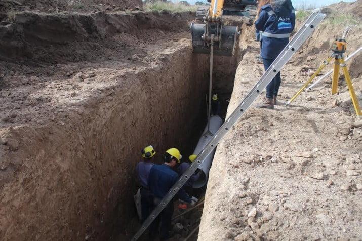 Grünbein: avanza la obra de desagües cloacales. Se amplía la red a Villa Elena