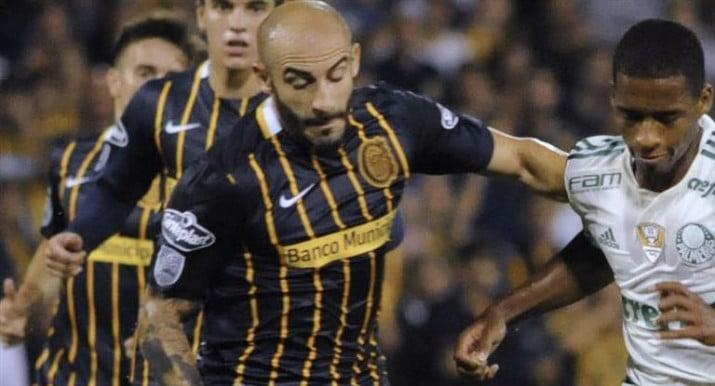Boca busca un experimentado defensor, pero deberá pujar con Racing y Central