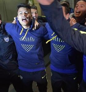 Boca festeja su título en Bahía Blanca, en un duelo clave para los locales
