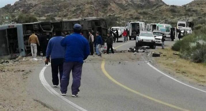 Tragedia en Mendoza: ya son 15 los muertos por el vuelco de micro