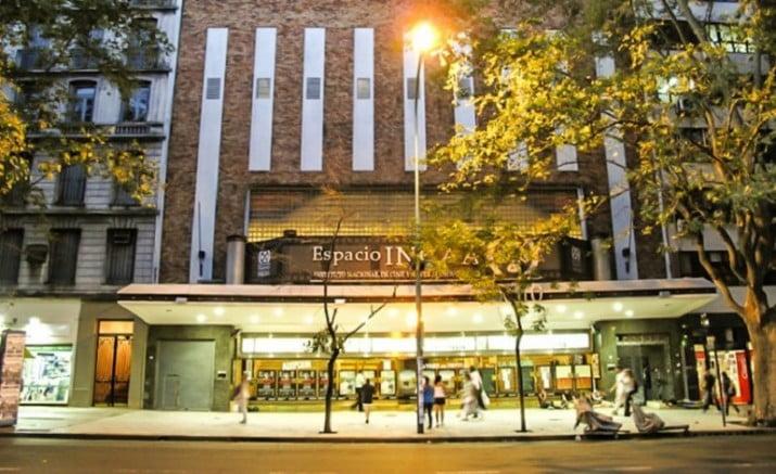 Crisis en el cine: La venta de entradas cayó a la mitad