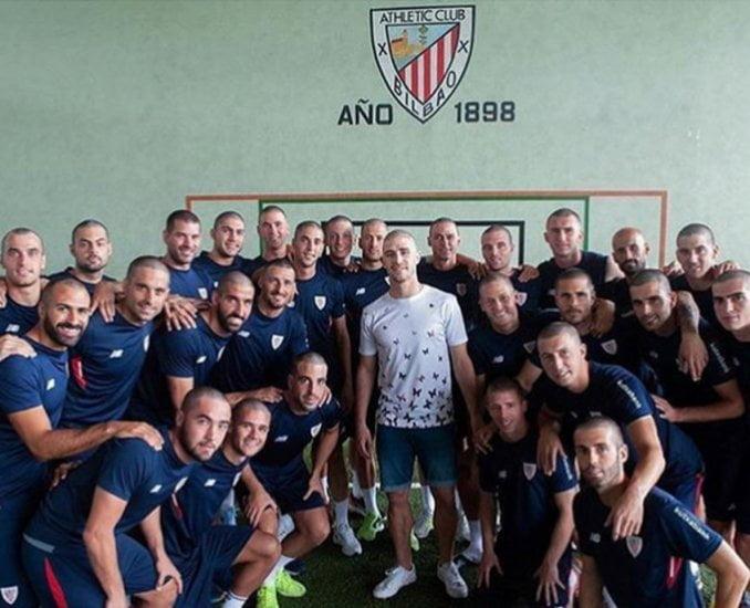 Emocionante gesto del Athletic Bilbao a un jugador que padece cáncer