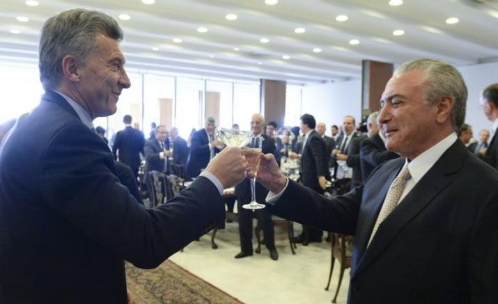La reforma laboral de Brasil acelera el cambio de rumbo en la Argentina