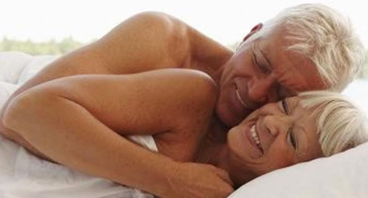 Tener sexo baja deterioro cognitivo en adultos mayores