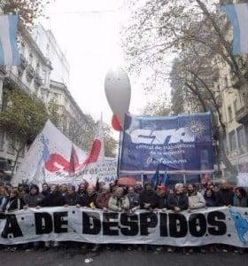 Ante la reforma laboral de Macri, se reaviva el debate por la ley antidespidos
