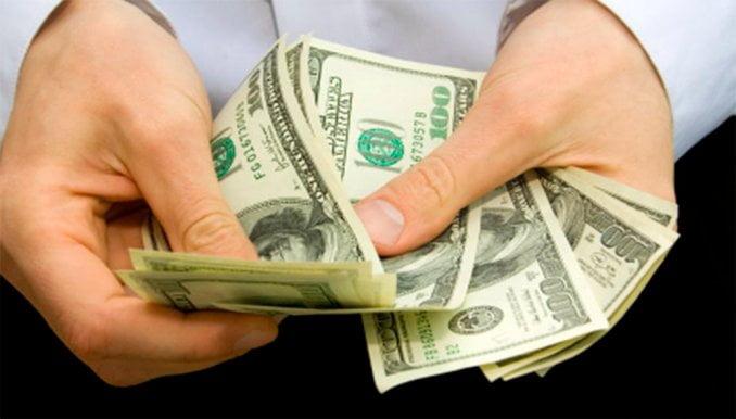 Camino al record de la dolarización