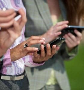 Se vienen nuevos aumentos en los abonos de los celulares: 12% promedio