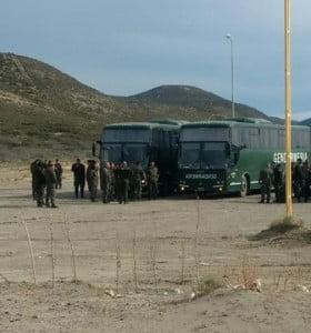 Trabajadores, bajo la custodia de Gendarmería