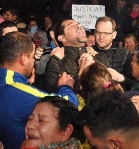 Multitudinaria marcha en Bahía Blanca tras el crimen de Barragan
