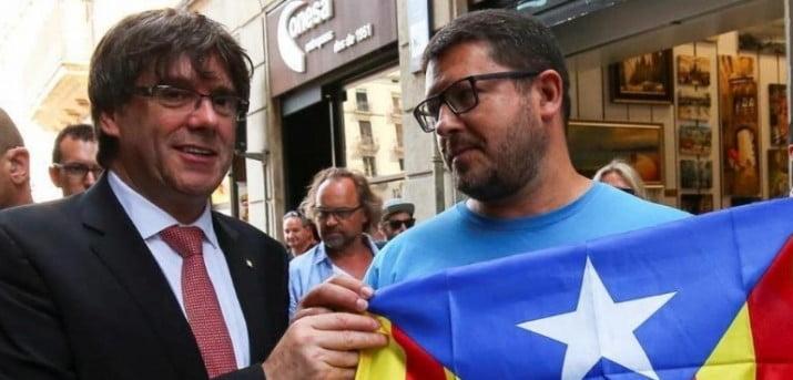 """Los catalanes esperan un """"tsunami democrático"""" en el referéndum"""