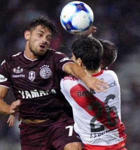 No habrá público visitante en el cruce de River y Lanús por la Libertadores