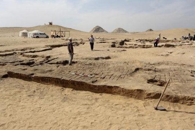 Hallan restos del templo faraónico de Ramsés II
