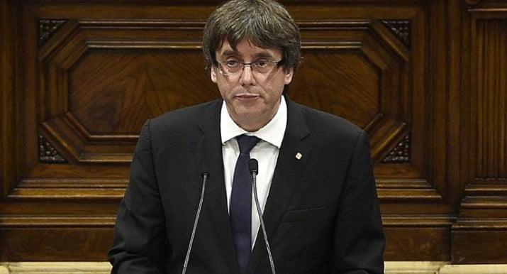 Cataluña declaró su independencia, pero la dejó en suspenso
