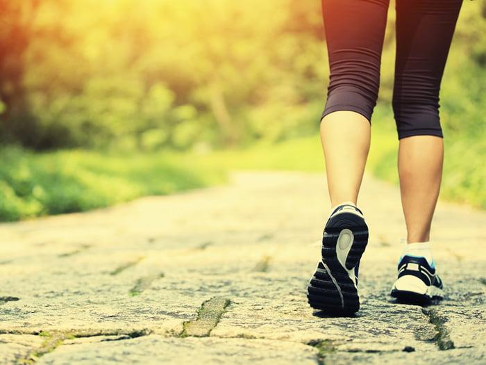 Caminar incluso un poco reduce el riesgo de muerte