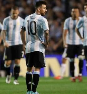 Clarín quiere privatizar los partidos de la Selección y que el público pague para verla