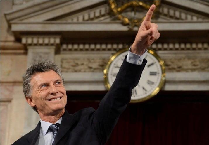 Escándalo: Una empresa de Macri se beneficiará con el congelamiento de salarios