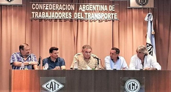 Gremios del transporte rechazaron las reformas del Gobierno