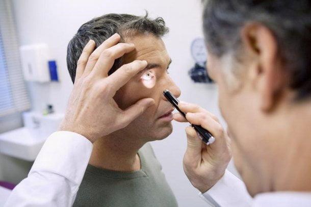 Un hombre quedó ciego de un ojo luego de tener un orgasmo