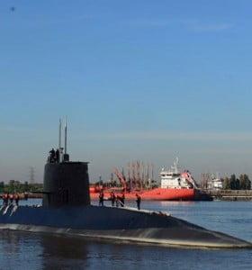 Creer o reventar: la Armada subió a un barco a una vidente para ir a buscar al submarino