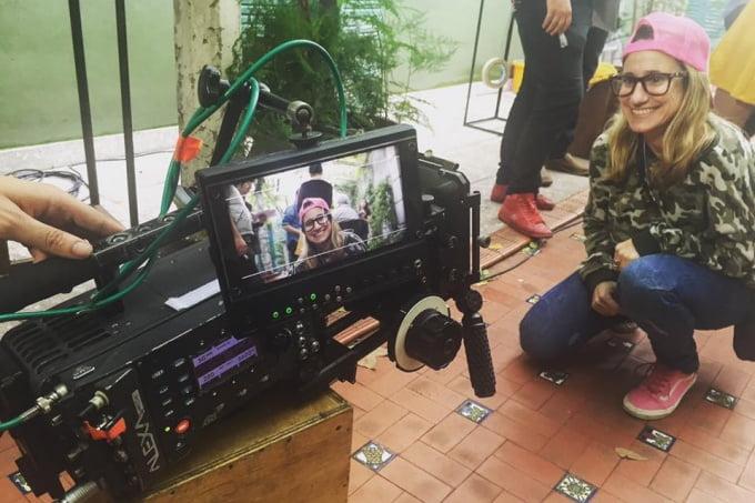 Cineastas bahienses fabrican muebles con palets para financiar un corto