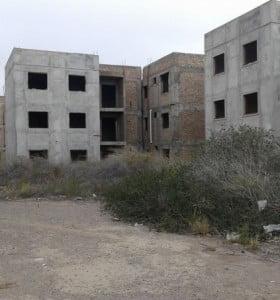 """Hay 30 mil viviendas sociales """"paralizadas"""" en toda la Provincia"""