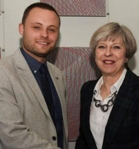 Un parlamentario 'torie' de Reino Unido propone esterilizar a los desempleados