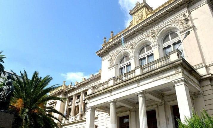 Docentes-Vidal, la pelea continúa: ahora, polémica por afiliaciones compulsivas