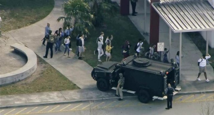 Masacre en escuela de Florida: un tirador mató al menos a 17 personas