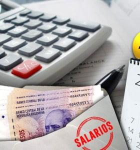 """Salarios """"recalibrados"""": por la inflación en alza, empresas revisan los aumentos para empleados fuera de convenio"""