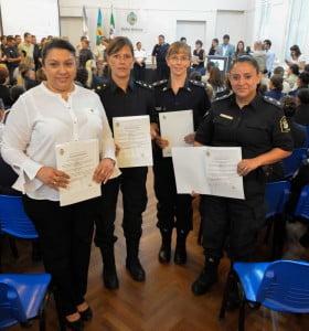 Reconocimiento a mujeres de distintas fuerzas de seguridad